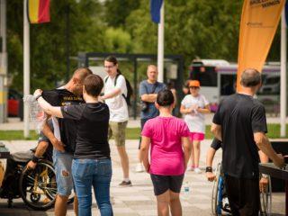 """Start înscrierilor la Walking Month 2019: câștigă premii și ajută-ne să """"Unim cele două Românii"""