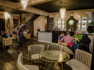 Prima vizită la restaurantul Beluga: omagiu adus stilului Art Deco